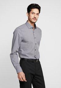 OLYMP - OLYMP LEVEL 5 BODY FIT  - Formal shirt - black - 0