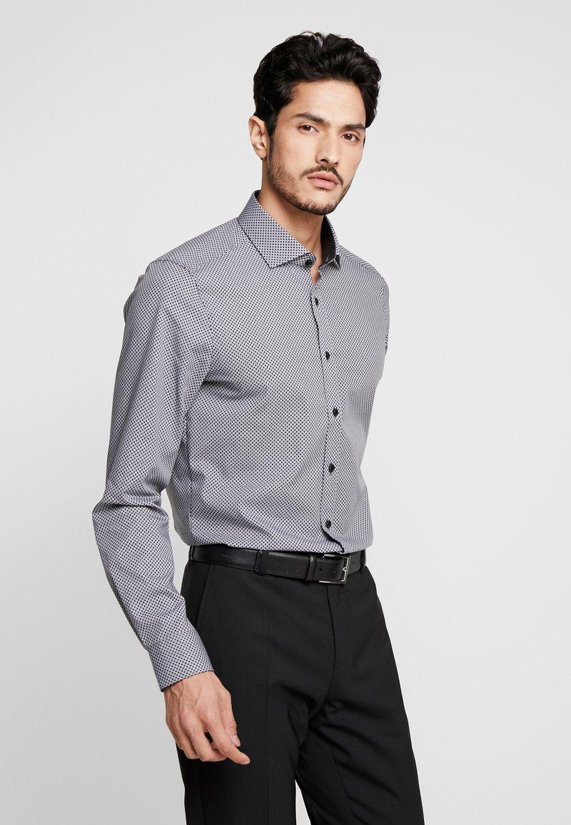 OLYMP - OLYMP LEVEL 5 BODY FIT  - Formal shirt - black