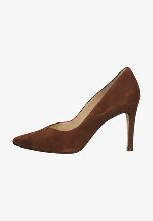 Classic heels - sable suede