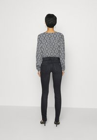 Marc O'Polo DENIM - ALVA - Jeans Skinny Fit - black wash - 2