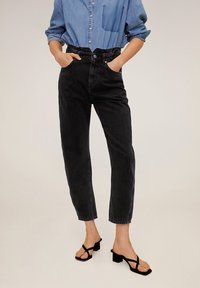Mango - SLOUCHY - Relaxed fit jeans - black denim - 0