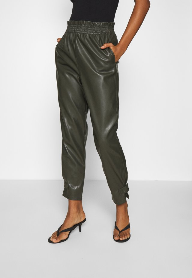 ONLDAVINA FAUX LEATHER TRACK  PANT - Trousers - rosin