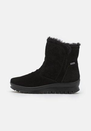 PEEKY - Winter boots - black