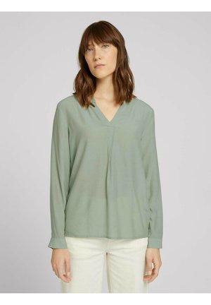 Blouse - soft greyish green