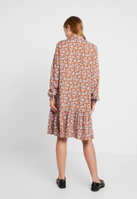 YAS - YASCARLA  - Shirt dress - bombay brown - 3