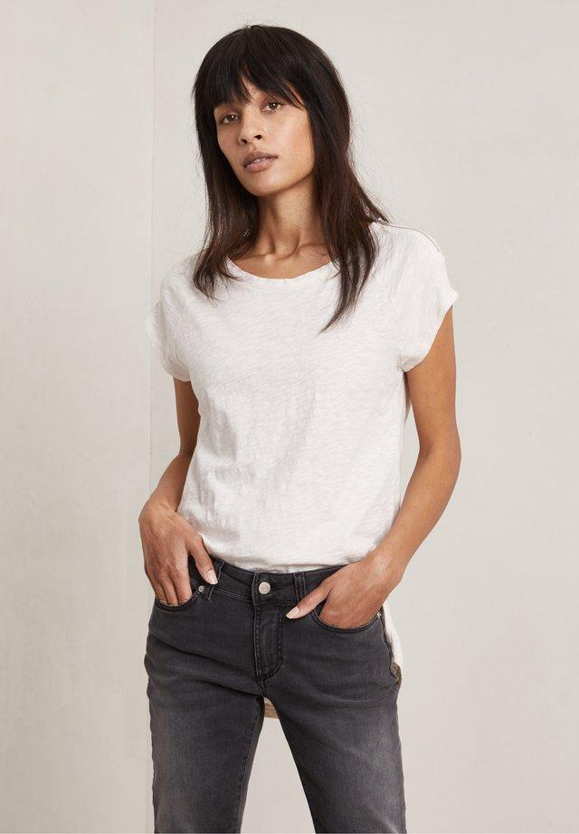 T-shirt basic - lily-rose