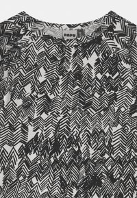 Papu - UNISEX - Top sdlouhým rukávem - gypsum white/black - 3