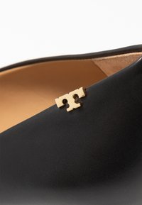 Tory Burch - PENELOPE CAP TOE  - Czółenka - perfect black - 2