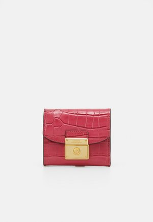 LOCK COMPACT WALLET MEDIUM - Peněženka - ruby