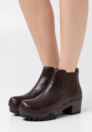 ISABELLE - Ankle boots - brown