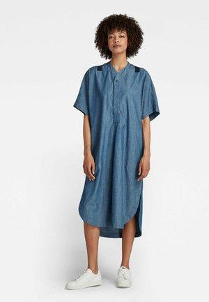 BASEBALL SCOOP HEM - Robe chemise - rinsed