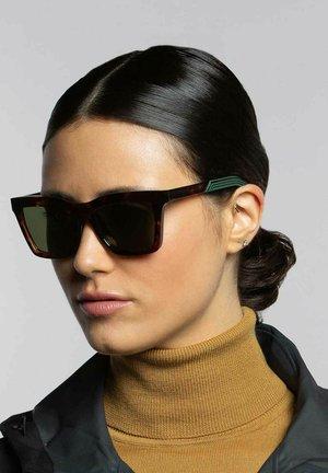 GRIP 01 - Sunglasses - deep tort