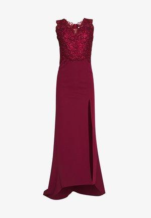 FISHTAIL MAXI DRESS - Vestido de fiesta - wine