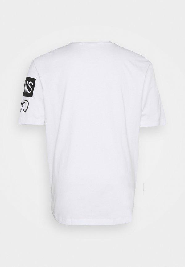 Calvin Klein Jeans Plus PLUS MIRROR LOGO SEASONAL TEE - T-shirt z nadrukiem - bright white/biały Odzież Męska OHEL
