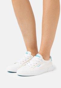Pepe Jeans - KENTON BASS - Trainers - white - 0