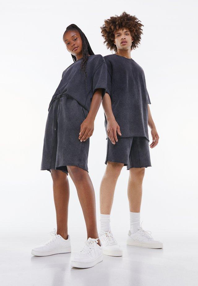 OVERSIZED SHORT SLEEVE SWEAT - Jednoduché triko - grey