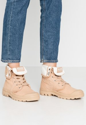PALLABROUSE BAGGY - Veterboots - sand