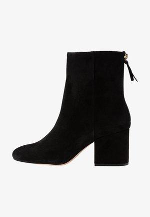 CHUNKY HEEL MAYA BOOT  - Støvletter - black