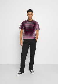 Santa Cruz - DOT WORKPANT - Pantalon classique - black - 1