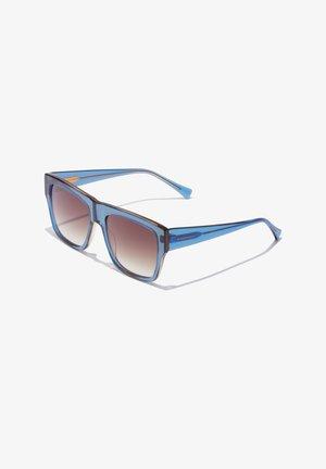 DOUMU - Sunglasses - blue