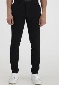 Casual Friday - PIHL SUIT PANTS - Suit trousers - black - 0