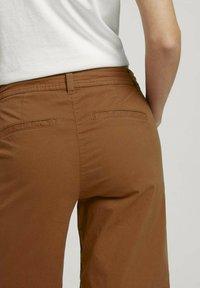 TOM TAILOR - Shorts - caramel brown - 5