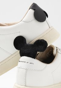 MOA - Master of Arts - Trainers - gallery white/black - 7