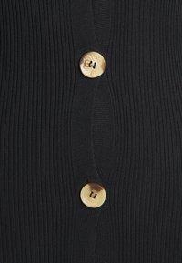 Missguided Tall - BUTTON FRONT DRESS - Pletené šaty - black - 2