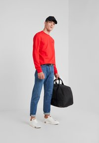 EA7 Emporio Armani - Sweater - red - 1