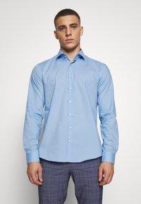 Calvin Klein Tailored - STRETCH - Formal shirt - light blue - 0