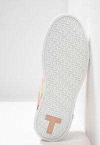 Ted Baker - ROULLYS - Trainers - nude/mint choc chip - 6