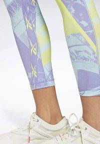 Reebok - MEET YOU THERE SPEEDWICK LEGGINGS - Leggings - purple - 4