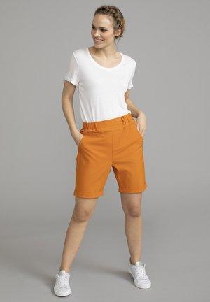 JILLIAN SOFIE  - Shorts - orange maple