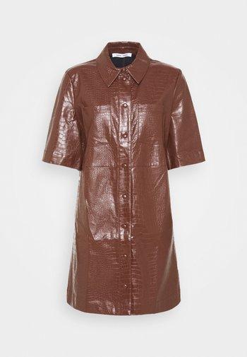 MYLA DRESS - Skjortekjole - chocolate fondant