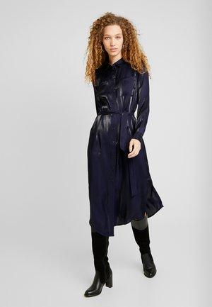 VIGLATANIS MIDI DRESS - Vestido camisero - navy blazer