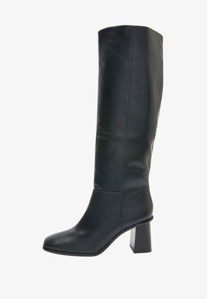FLARE HEEL KNEE HIGH - Kovbojské/motorkářské boty - black