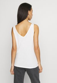 Vero Moda - VMAVA V-NECK - Top - snow white - 2