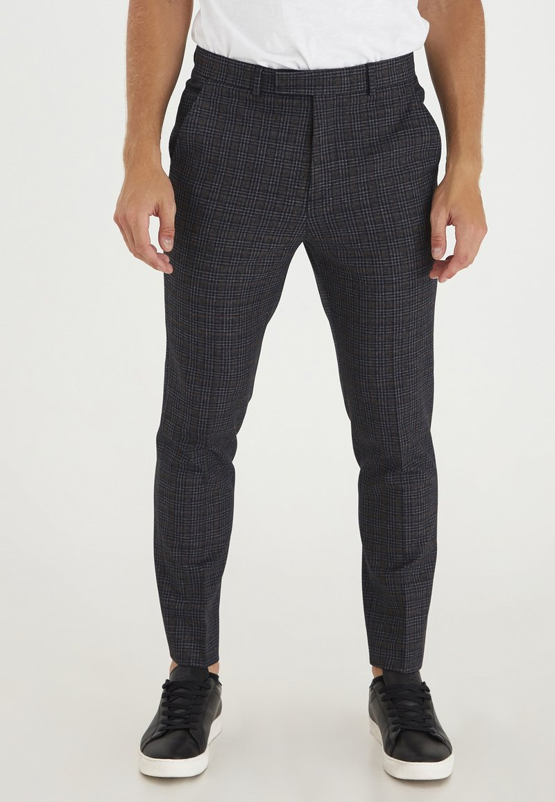 Casual Friday - PATRIK SMALL CHECKED PANTS - Trousers - navy blazer