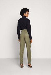 Bruuns Bazaar - TELMAH DAHLIA PANT - Trousers - olive tree - 2