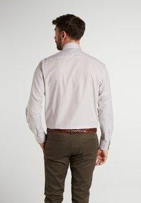 Eterna - COMFORT FIT - Shirt - beige/weiss - 1