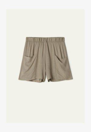 MIT TASCHEN - Shorts - mud