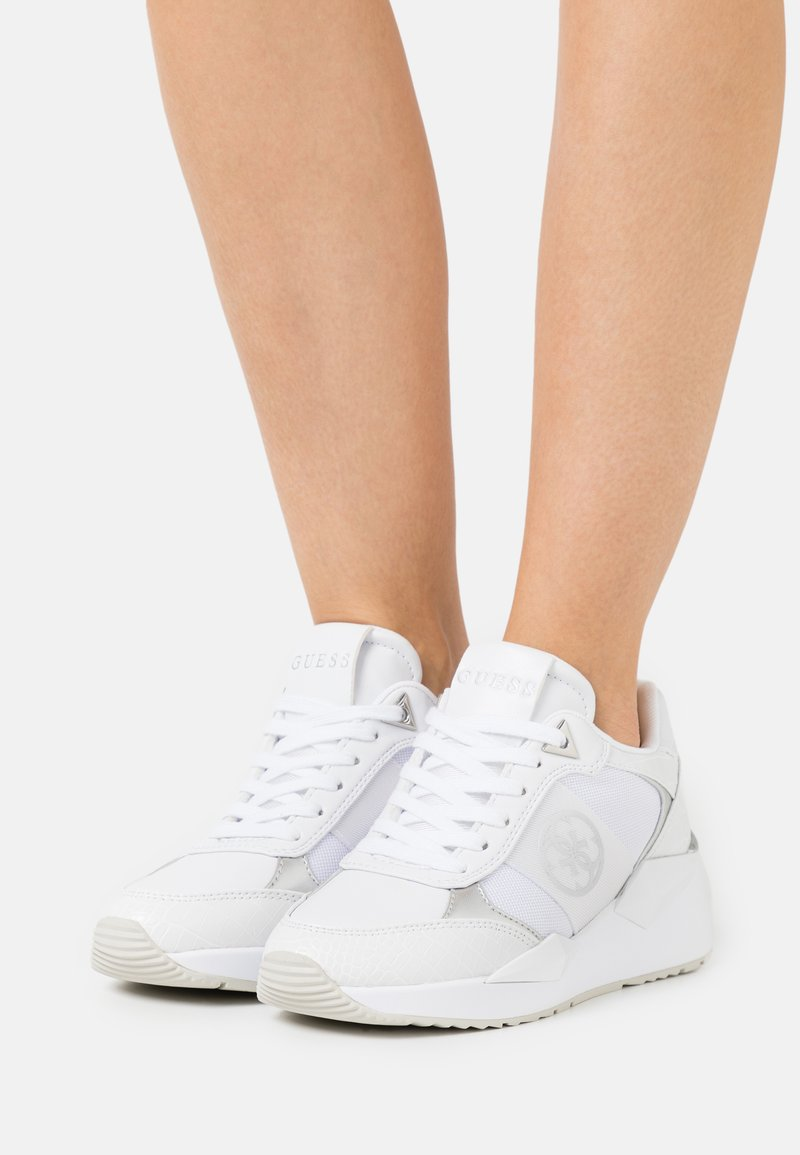 Guess - TESHA - Trainers - white