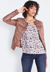 BONOBO Jeans - Chaqueta de cuero sintético - marron clair - 3