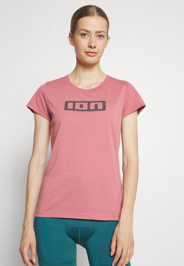TEE SEEK - Print T-shirt - dirty rose