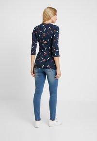 MAMALICIOUS - MLSARNIA - Slim fit jeans - medium blue denim - 2