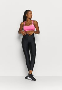 Nike Performance - FAVORITES STRAPPY - Sport BH - pink glow/white - 1