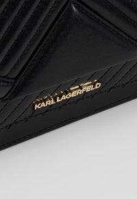 KARL LAGERFELD - KLASSIK QUILTED SHOULDER BAG - Handbag - black - 6