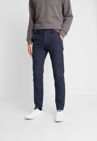 Selected Homme - SLHSLIM ARVAL PANTS - Trousers - navy blazer - 0