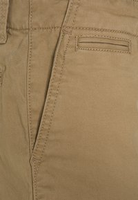 GAP - BOYS - Chino - new british khaki - 2