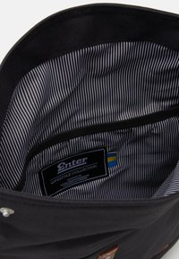 Enter - FOLD TOP BACKPACK - Batoh - black recycled - 2